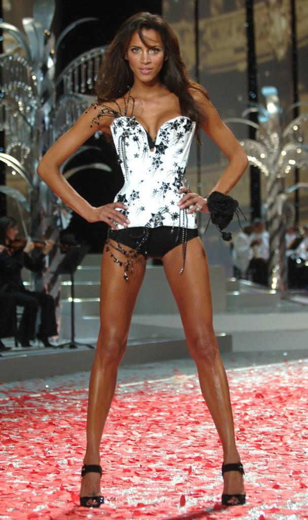 Photos : Naomi Campbell, Laetitia Casta, Noémie Lenoir... : vous souvenez-vous des anciens Anges Victoria's Secret ?