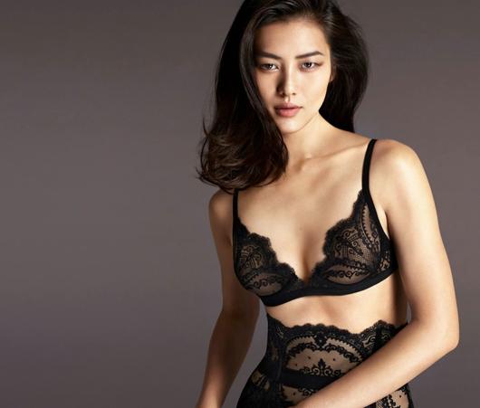 Liu Wen pose pour la campagne Automne - Hiver 2015 de La Perla