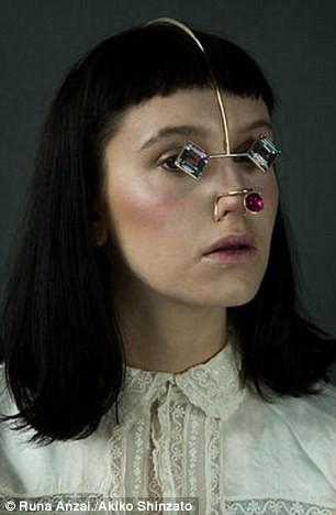 Nouvelle tendance : les bijoux de visages