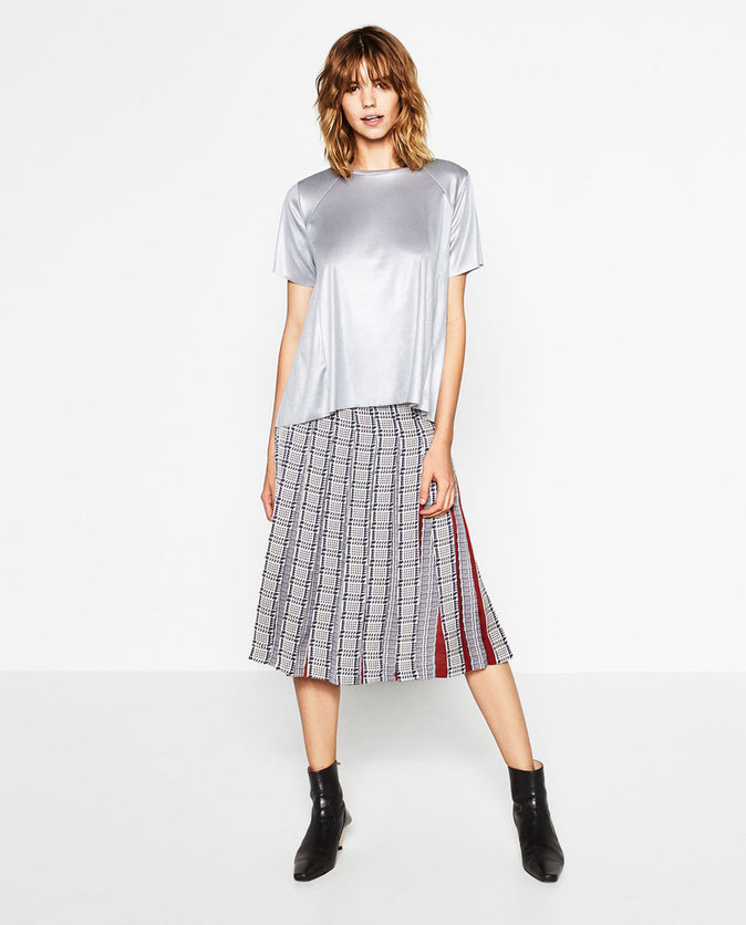 T-shirt trapèze métallisé – ZARA – 15,95€
