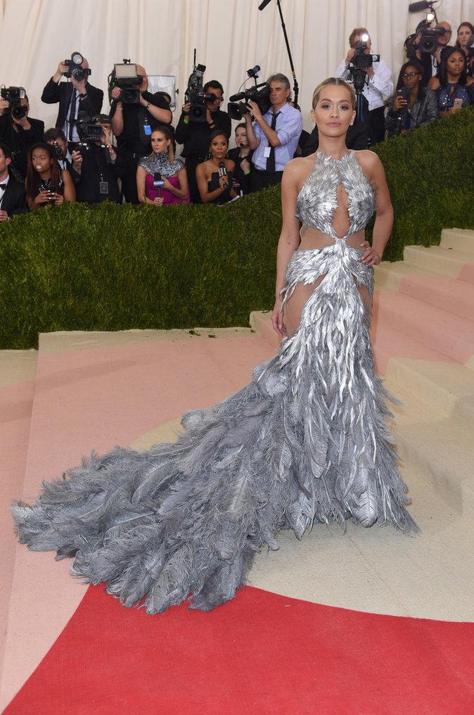 Rita Ora sur le red carpet du Met Gala 2016