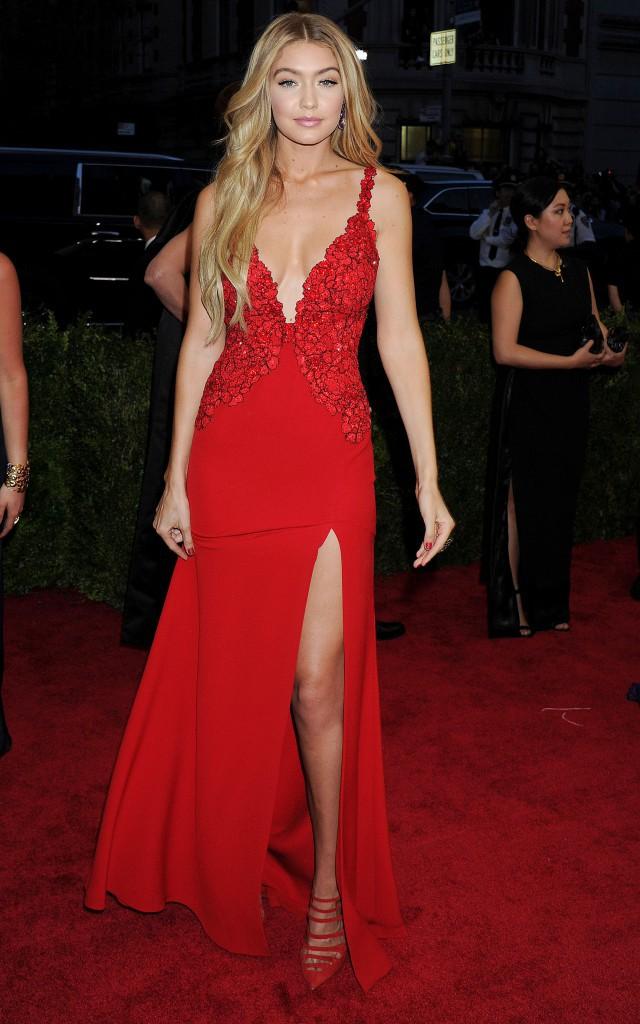 Gigi Hadid en robe DVF