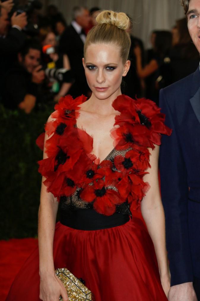 Poppy Delevingne en robe Marchesa
