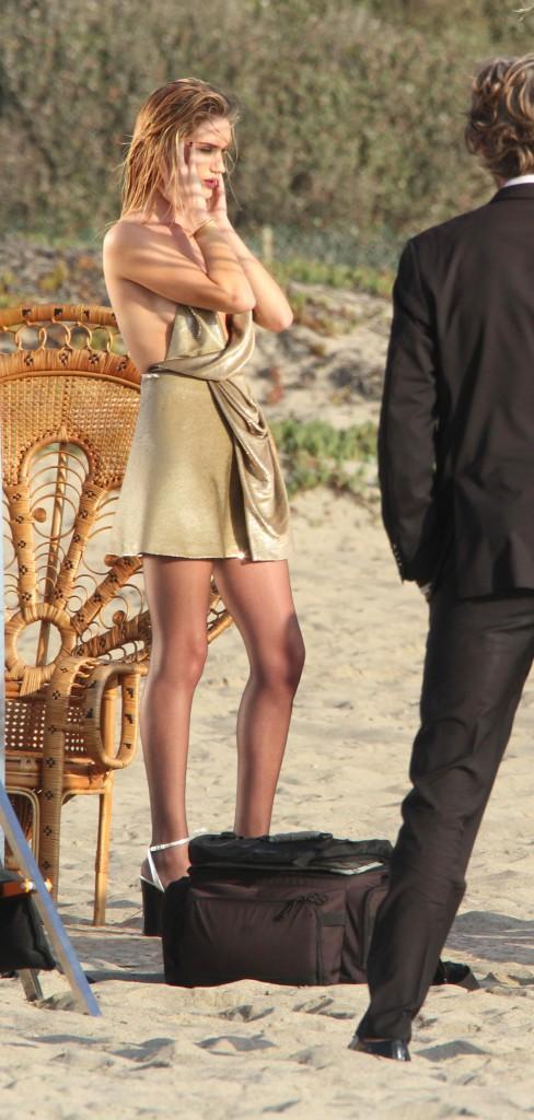 Photos : Rosie Huntington-Whiteley : Dans les coulisses de son nouveau shooting Victoria's Secret !