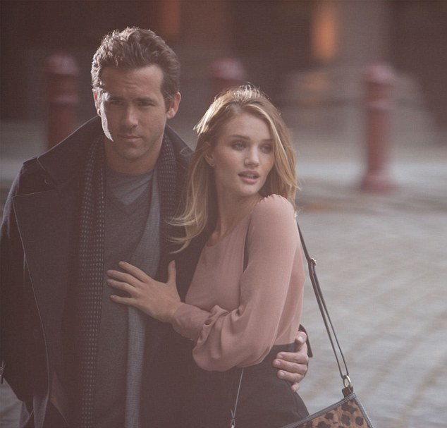 Rosie Huntington-Whiteley et Ryan Reynolds pour Marks & Spencer.