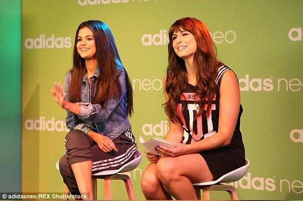 Selena Gomez : une parfaite égérie en pleine promotion pour Adidas NEO : avec Carly Henderson