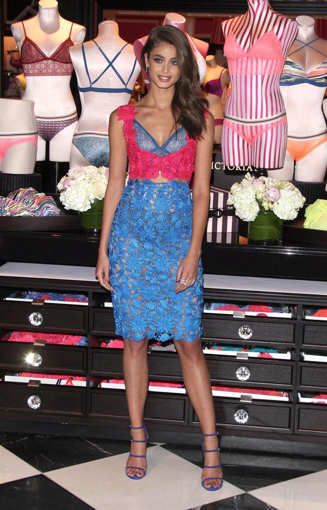 Taylor Hill en séance dédicaces pour Victoria's Secret