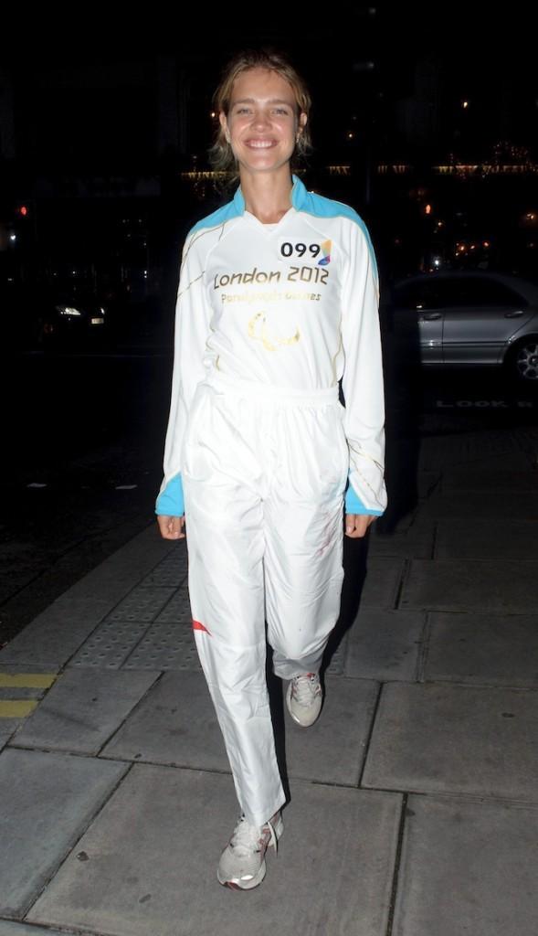 Natalia Vodianova toute de blanc vêtue !