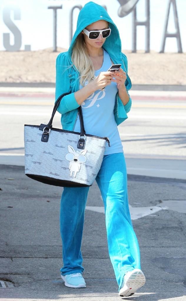 Paris Hilton en total look bleu !