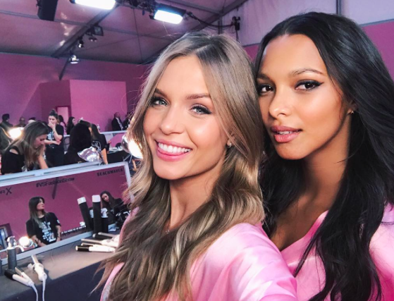 Victoria's Secret Fashion Show : En direct des backstages : Josephine Skriver et Lais Ribeiro