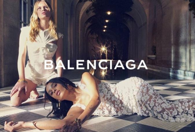 Zoë Kravitz et Anna Ewers pour Balenciaga