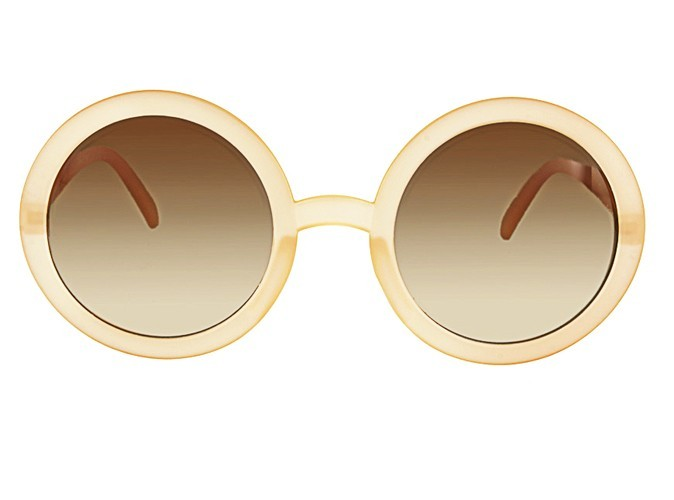 Lunettes de soleil rondes en plastique, L'usine à lunettes by Polette, 12,90 €.
