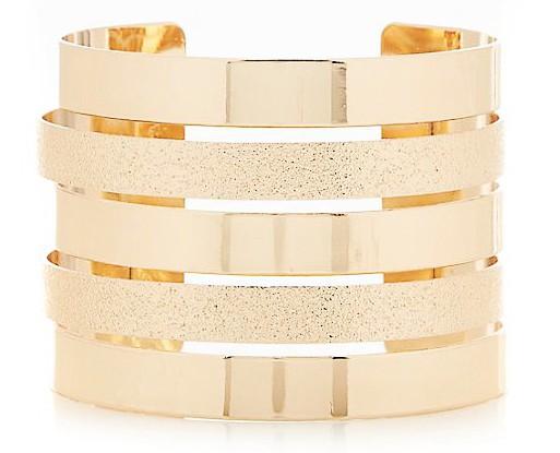 Un hiver à l'eau de rose : Bracelet manchette, New Look, 6,99€