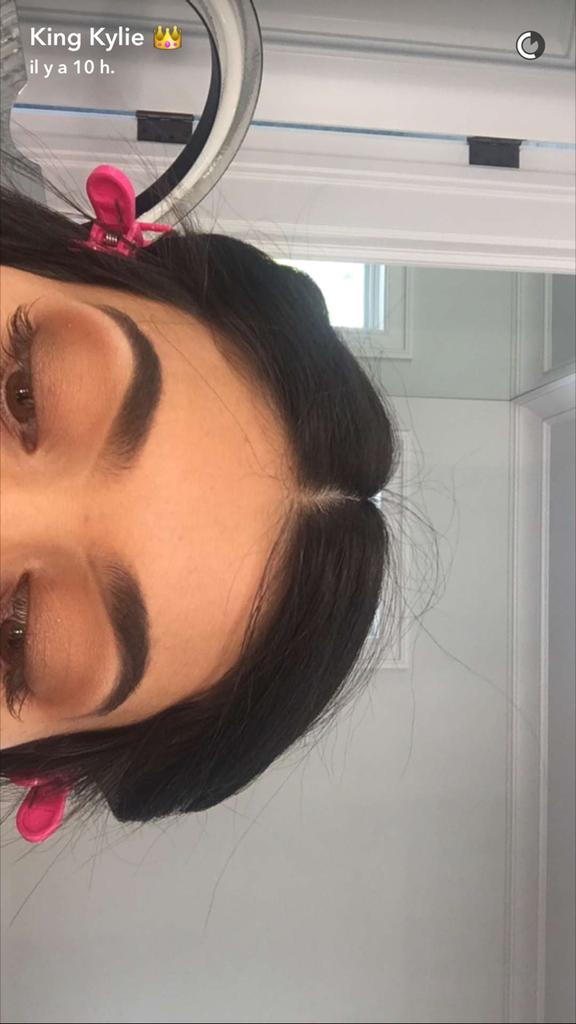 Prenez une leçon de maquillage avec Kylie Jenner - étape 18