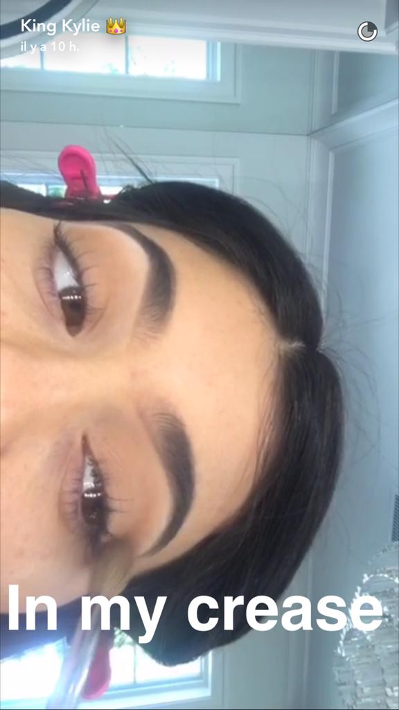 Prenez une leçon de maquillage avec Kylie Jenner - étape 6