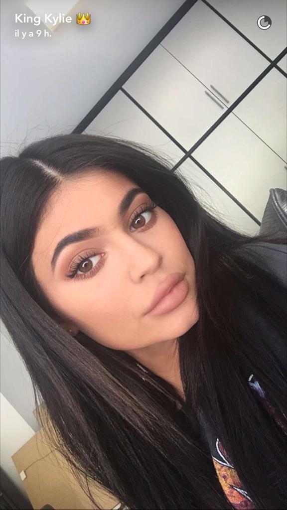 Prenez une leçon de maquillage avec Kylie Jenner - le résultat final !