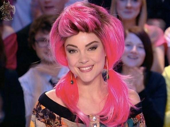 Cheveux roses ? Barbie sort de ce corps !