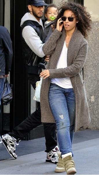 Alicia Keys portant les baskets Isabel Marant