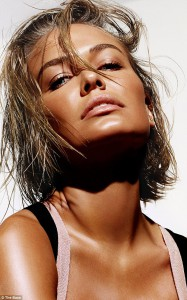 234FEC1400000578-2841798-Launched_Lara_Bingle_s_loyal_fans_and_beauty_buffs_now_have_acce-5_1416449073402