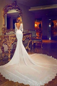 Fake-Jennifer-Aniston-wedding-dress-picture-fools-the-internet