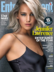 Jennifer-Lawrence-Entertainment-Weekly-December-2015-Cover