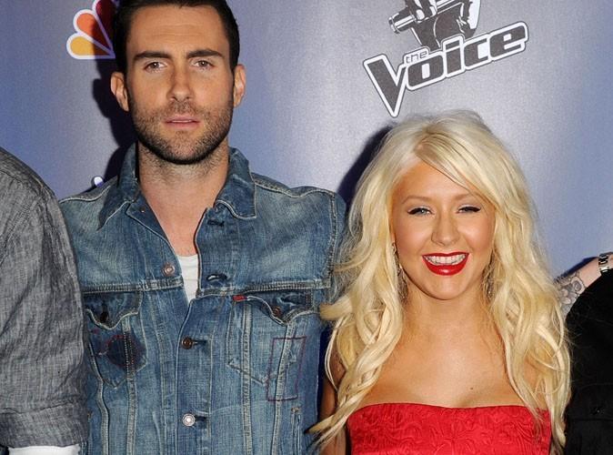 Adam Levine : il défend Christina Aguilera, attaquée sur son poids !