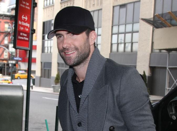 Adam Levine : le beau gosse n'est plus célibataire ... Et s'affiche avec une collègue de son ex !