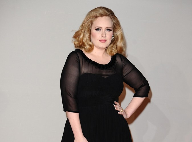 Adele : elle devient la plus grosse vendeuse de disques !