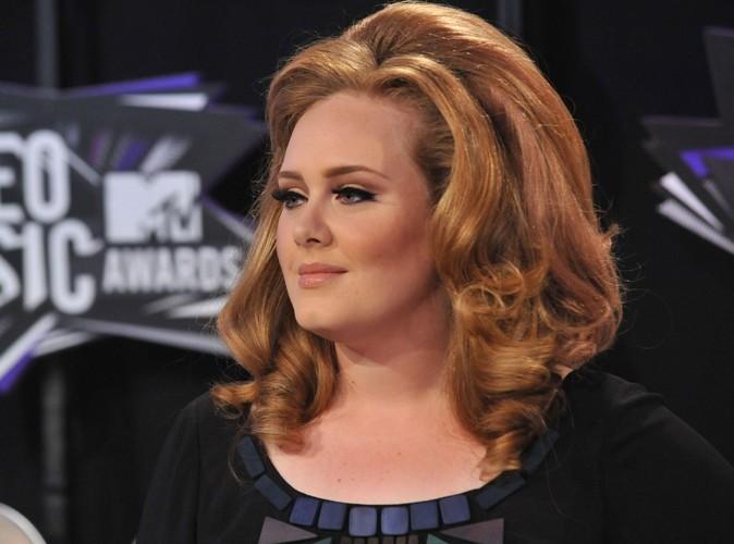 Adele : la star du top 50 opérée des cordes vocales est en convalescence !