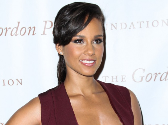 Alicia Keys : boulevers�e par la mort du petit Aylan, elle r�dige un po�me !