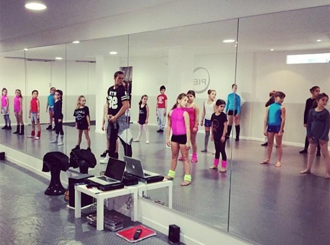 Alizée : Grégoire Lyonnet donne un cours de danse à sa petite Annily !