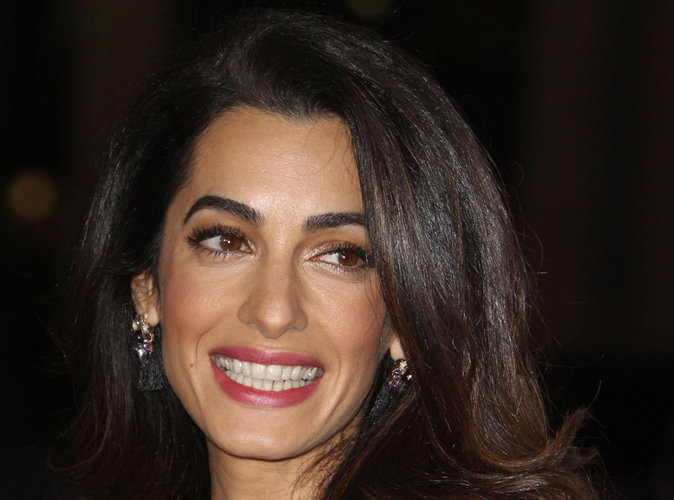 Amal Clooney : opération séduction à la télévision américaine pour aider les Maldives