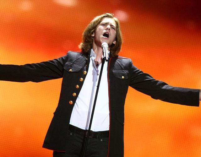 """Amaury Vassili : """"15ème à l'Eurovision c'est un résultat de m**** !"""""""