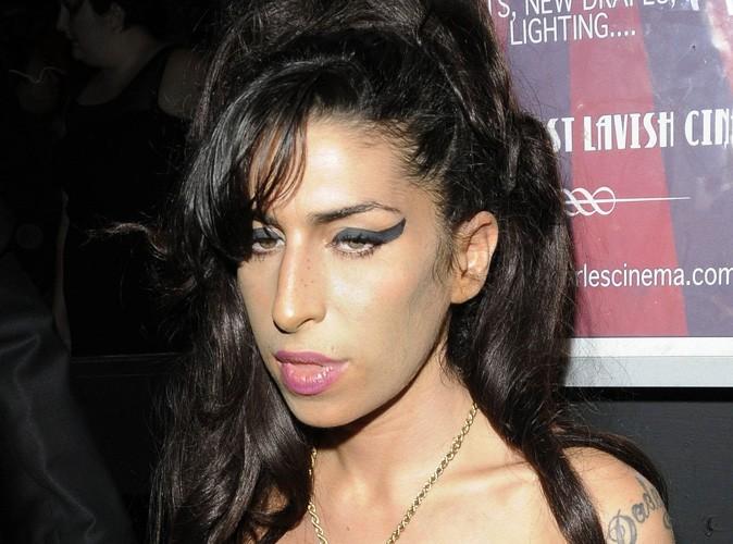 Amy Winehouse : complètement intoxiquée, elle est forcée d'annuler des concerts !
