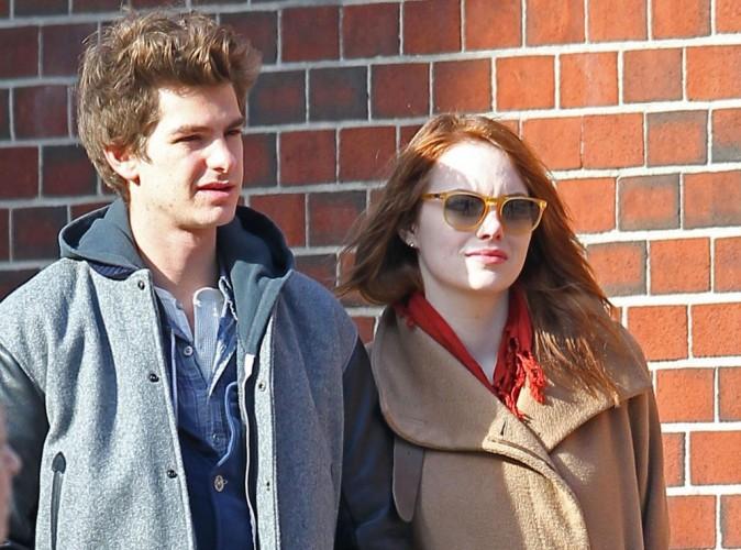 Andrew Garfield et Emma Stone : et maintenant ils se font des baisers en pleine rue...
