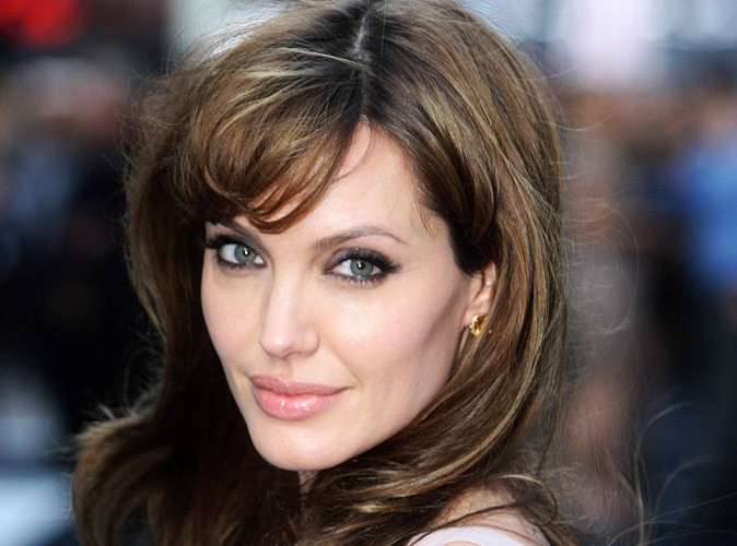 Angelina Jolie a révélé à David Pujadas la signification de son nouveau tatouage !