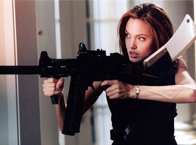 Angelina Jolie déclare la guerre à Brad Pitt !