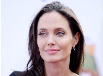 Angelina Jolie devient prof !