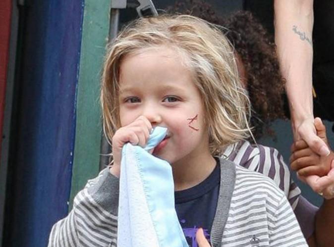 Angelina Jolie et Brad Pitt : leur fille Shiloh s'est coupée les cheveux et continue de jouer les petits mecs !