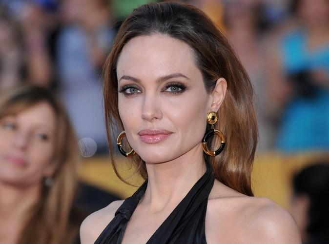 Angelina Jolie fiancée : découvrez sa sublime bague !