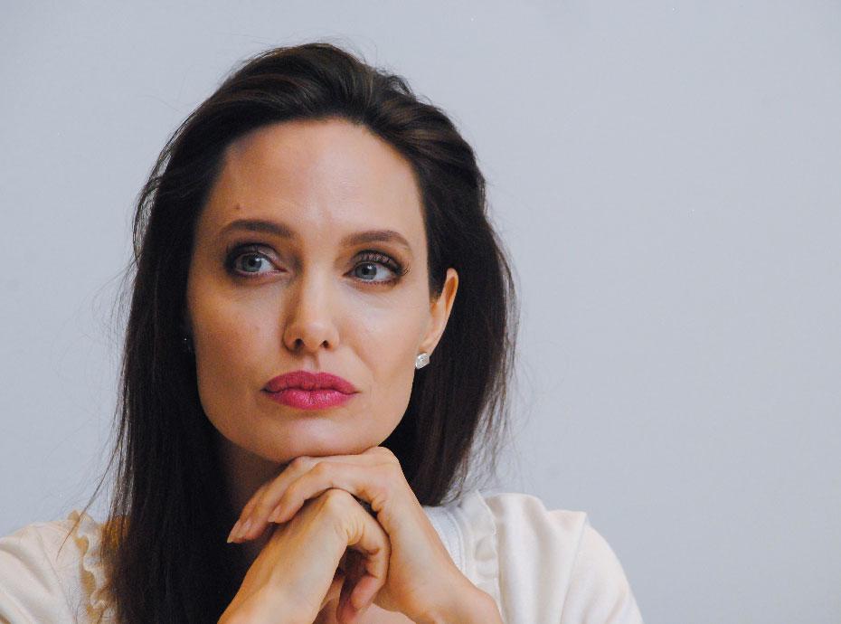 Angelina Jolie n'aime pas être célibataire !