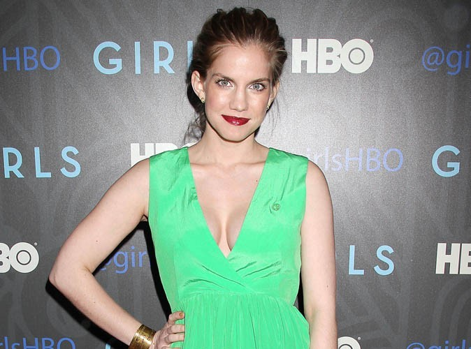"Anna Chlumsky : l'ancienne star du film ""My Girl"" attend son premier enfant !"
