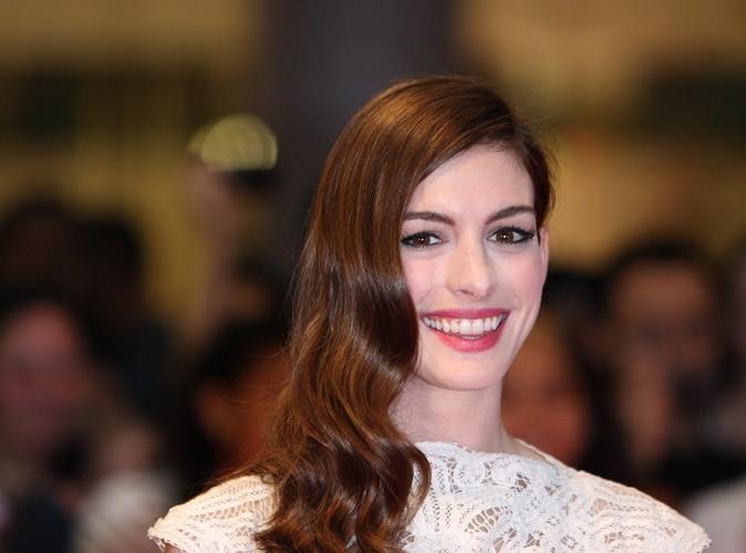 Anne Hathaway : elle devrait obtenir un rôle dans Glee !