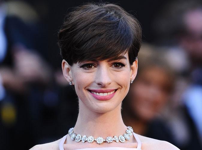 """Anne Hathaway : """"Mon corps est une source constante de honte..."""""""