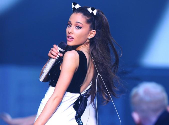 "Ariana Grande : grosse frayeur sur scène, elle a ""failli mourir"" !"