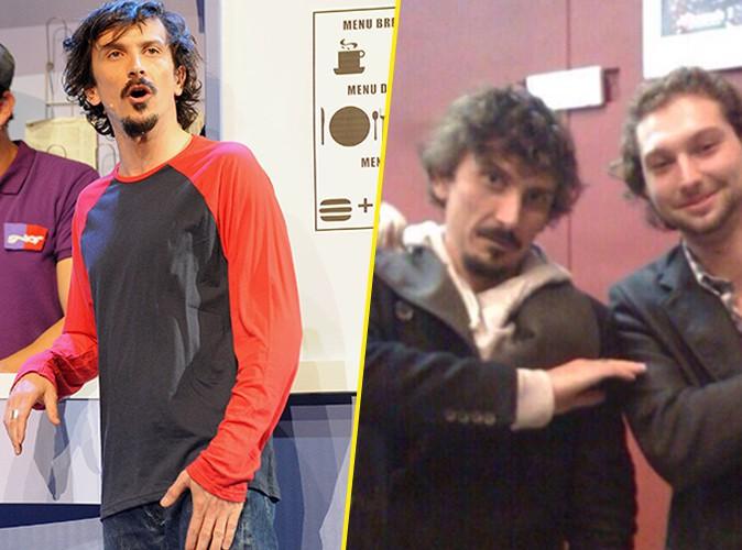 """Arnaud Tsamère : il se dit piégé et s'excuse après avoir exécuté le signe de la """"quenelle"""" !"""