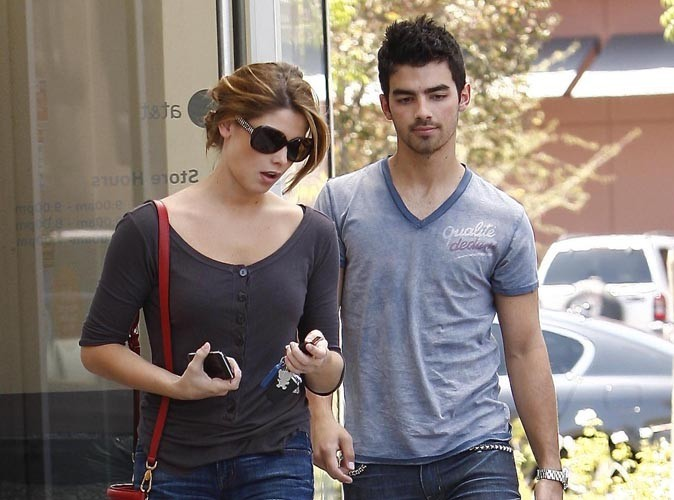 Ashley Greene et Joe Jonas pris en flagrant délit !