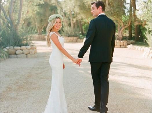 """Ashley Tisdale : """"déjà une semaine"""", elle dévoile une autre photo de son mariage !"""