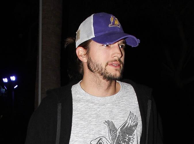 Ashton Kutcher : il a enfin coupé sa tignasse et rasé sa barbe trop longue !