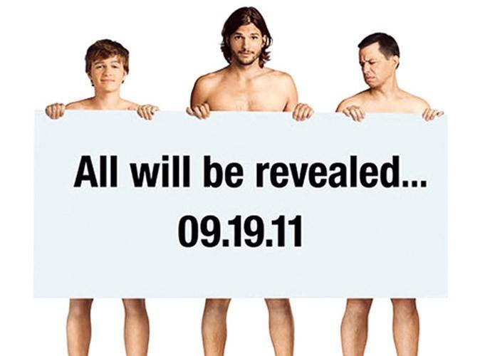 Ashton Kutcher nu pour la promo de la série Mon Oncle Charlie !
